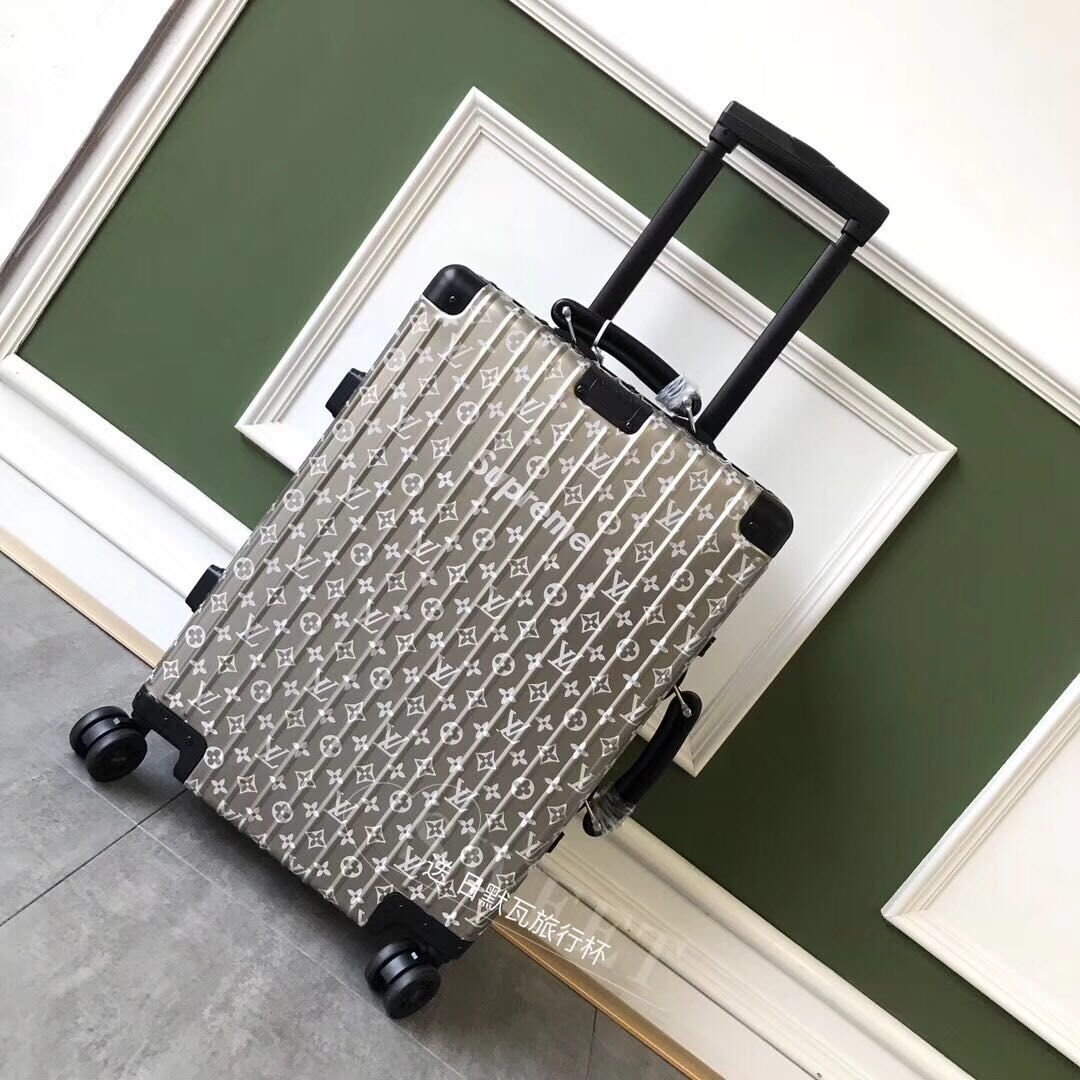 Louis Vuitton Suitcase M66557