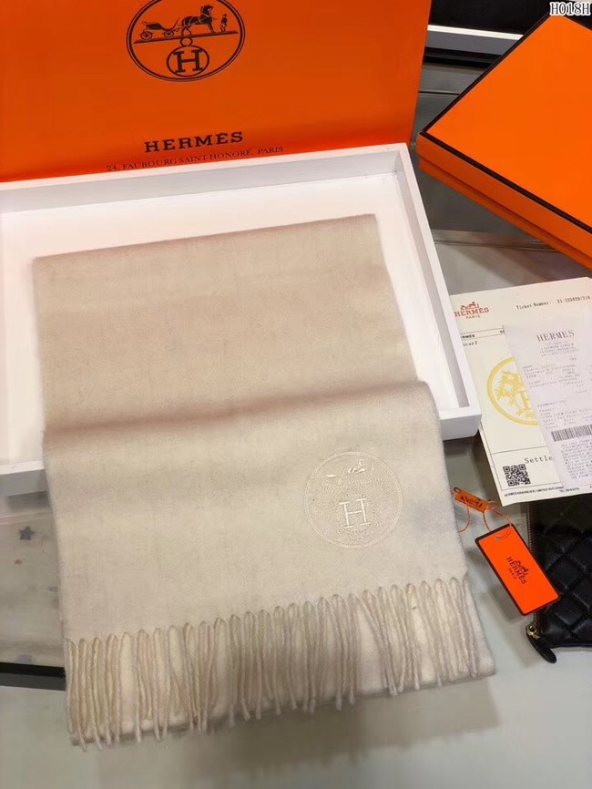 Hermes Cashmere scarf H2599 creamy-white