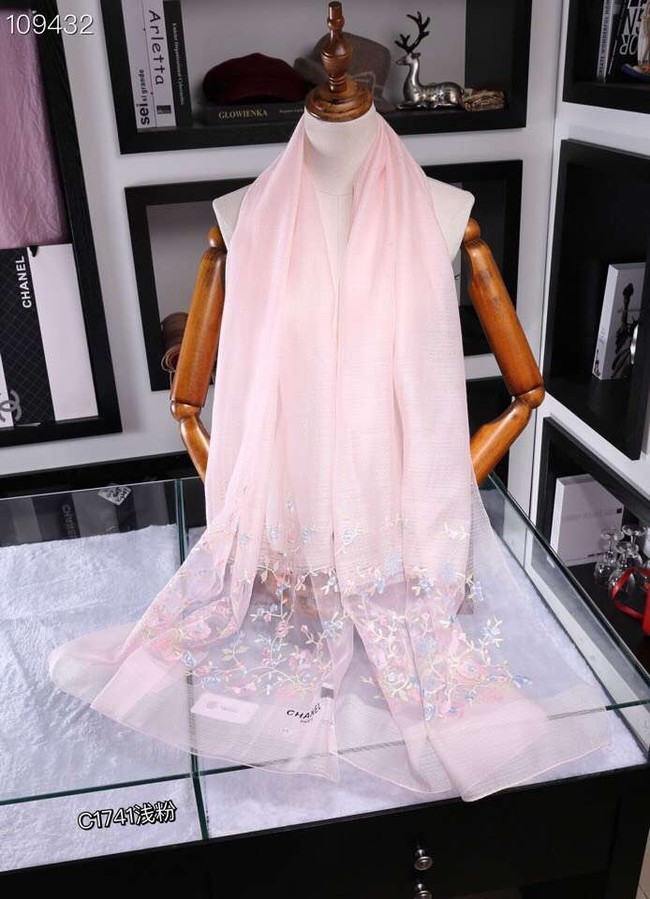 Chanel Cashmere Scarf CH1110B light pink