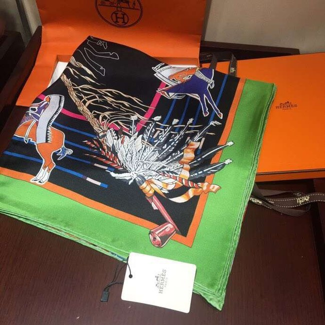 Hermes Scarf in silk twill with hand rolled edges H2561