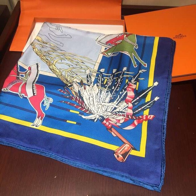 Hermes Scarf in silk twill with hand rolled edges H2563