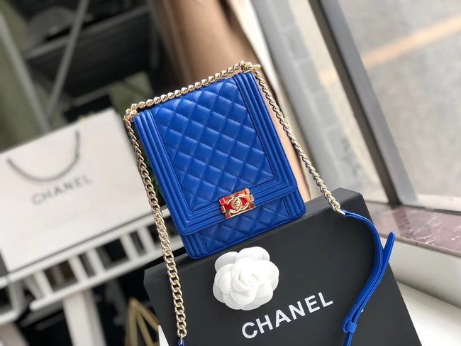 Boy chanel handbag Patent leather & Gold-Tone Metal AS0130 blue