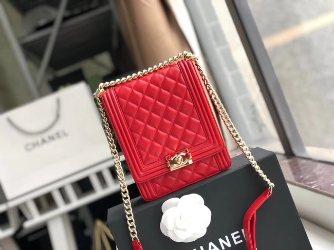 Boy chanel handbag Patent leather & Gold-Tone Metal AS0130 red