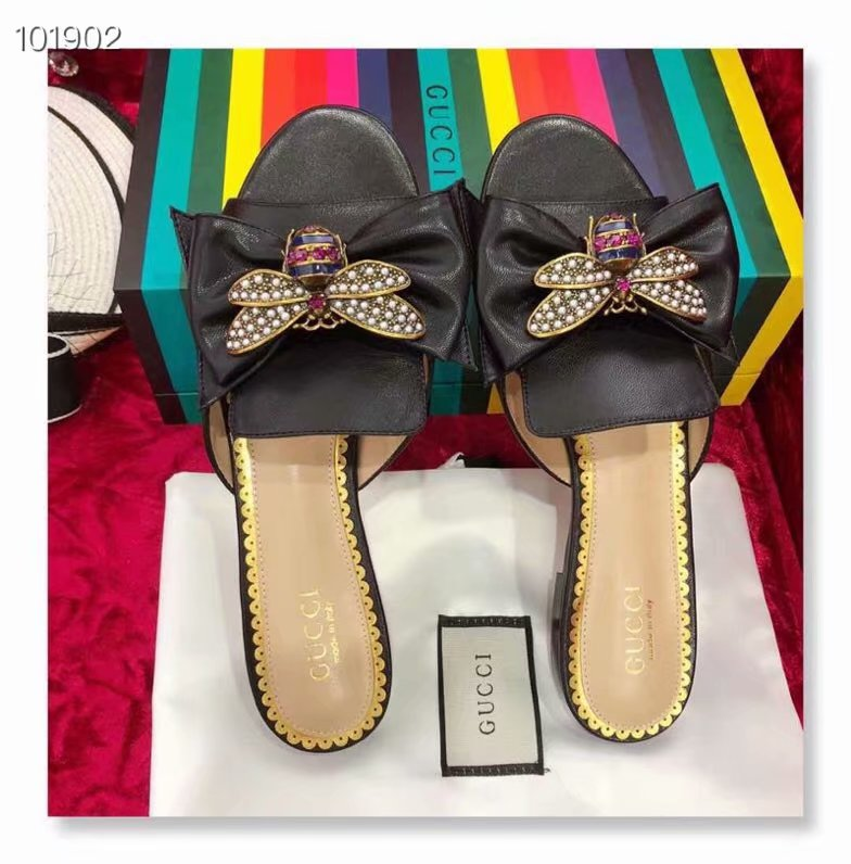 Gucci Leather slipper GG1534BL-2