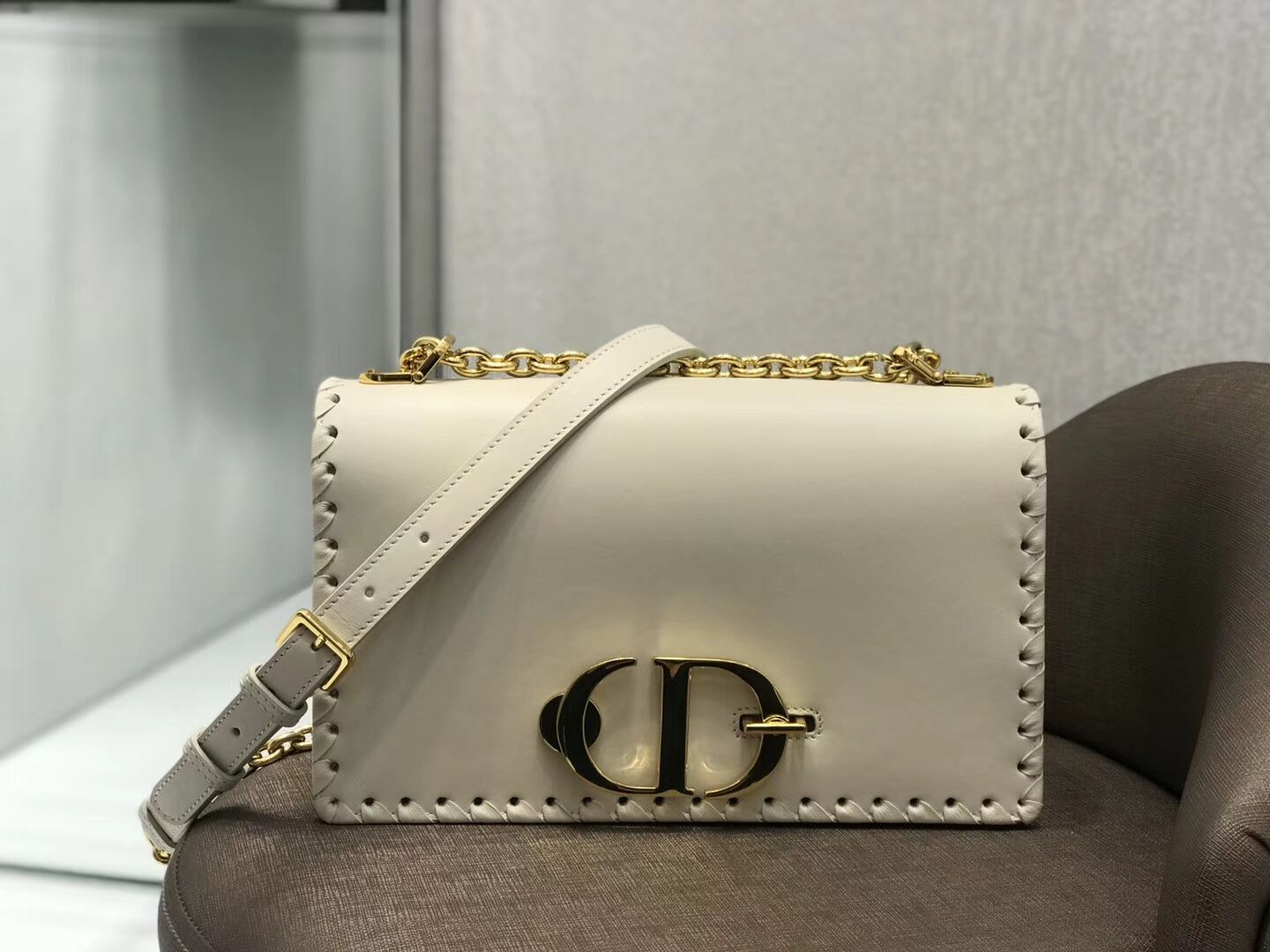 CHALK WHITE DIOR 30 MONTAIGNE THREADED EDGES CALFSKIN FLAP CHAIN BAG  M9220