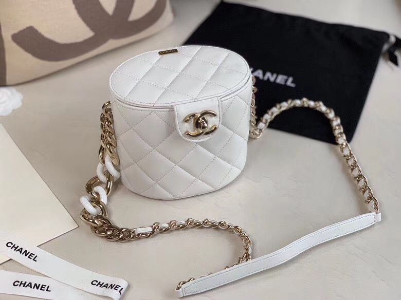 Chanel Original Leather Cosmetic Bag Resin Chain Bag C63298 White