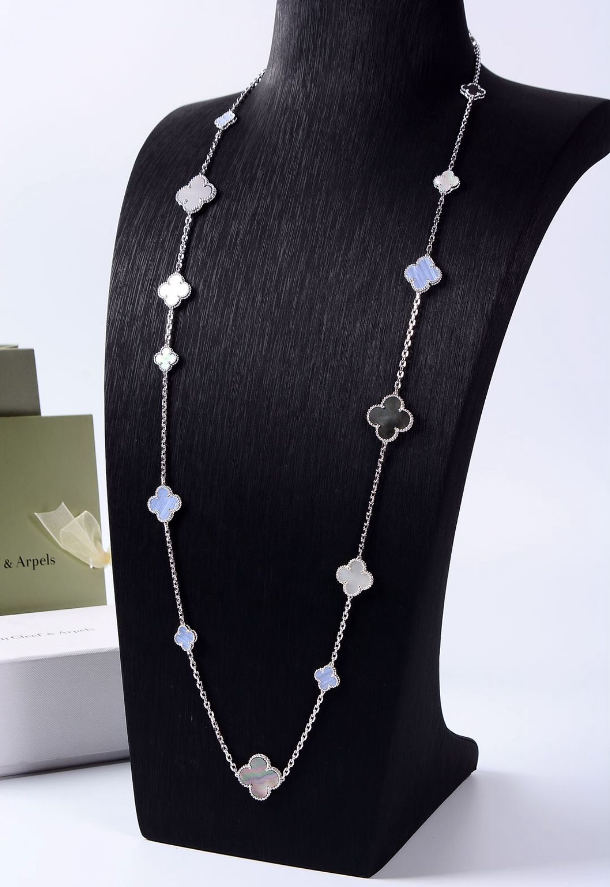 Van Cleef & Arpels Necklace VCA4696