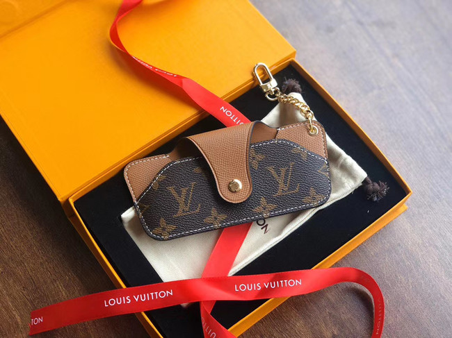 Louis vuitton spectacles case 2698