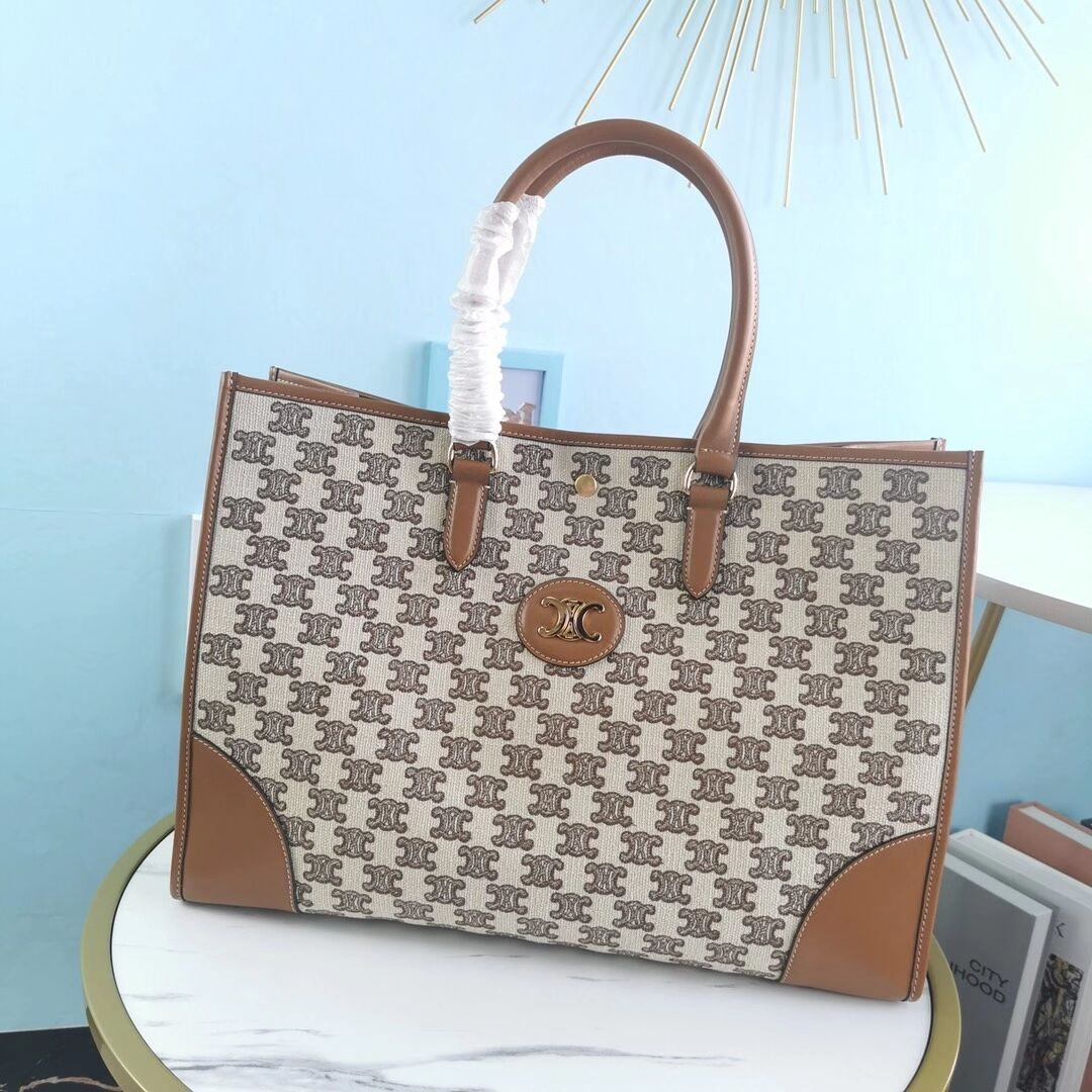Celine TEEN TRIOMPHE BAG IN TRIOMPHE CANVAS AND CALFSKIN CL94342 Brown