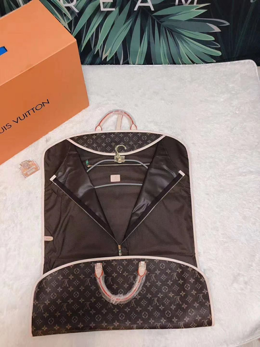 Louis Vuitton Original Monogram Canvas 5698