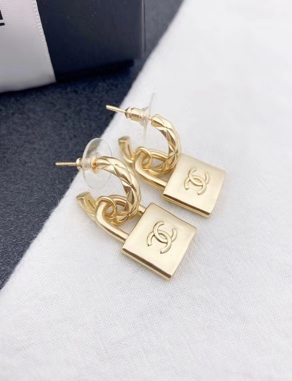 Chanel Earrings CE6463